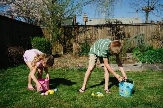 kids easter egg hunt in portland oregon  backyard